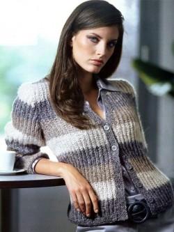 Вяжем приталенный легкий свитерок.
