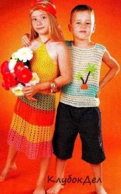 Ажурное платье в полоску для девочки крючком, схема и описание