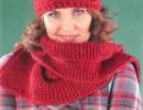 Бордовый комплект: шапочка и шарф спицами. Вязание для женщин