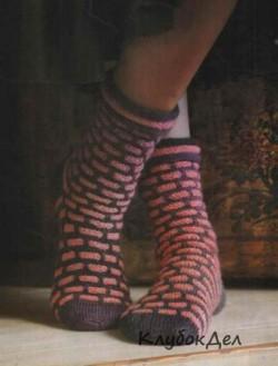 Носки с объемным узором