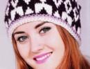 Женская шапка с жаккардовым узором спицами. Вязание для женщин шапочки шарфы спицами