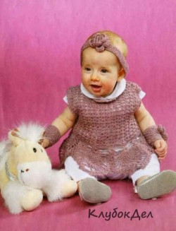 Детский комплект крючком: платье, повязка и митенки. Вязание для детей