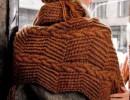 Женская шапка и шарф спицами с зигзагообразным узором. Схемы и описание