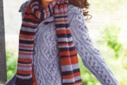 Кардиган с узором из кос и шарф связанный спицами